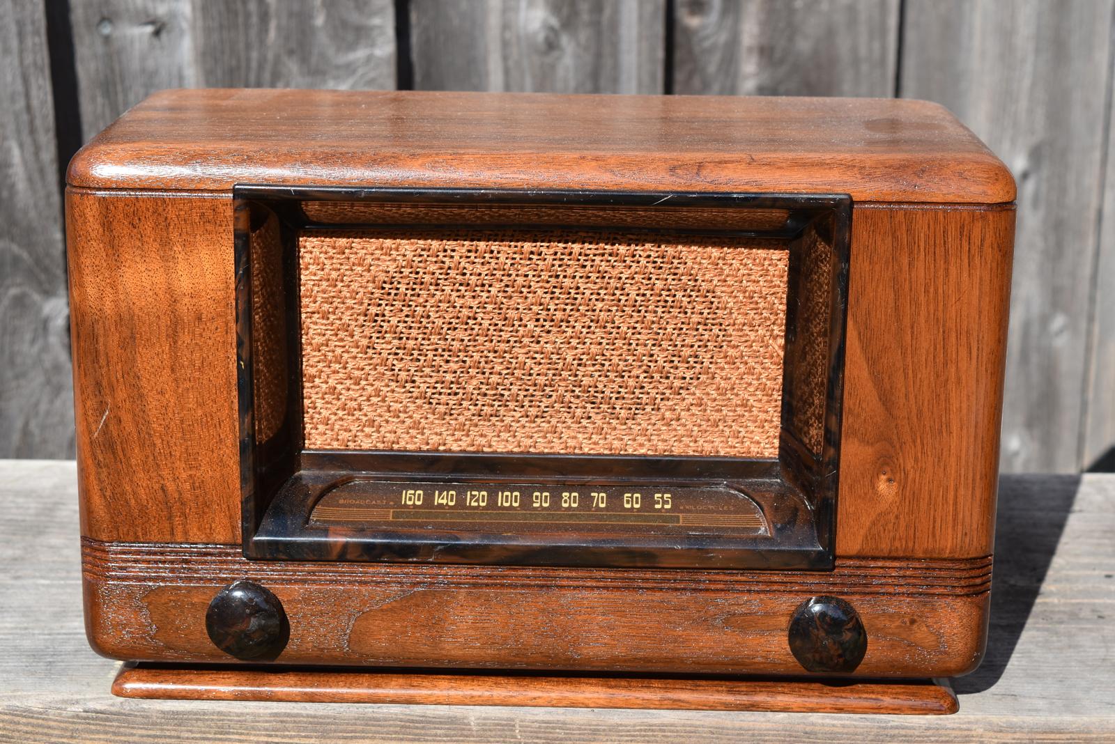 Radio vintage beacons airway