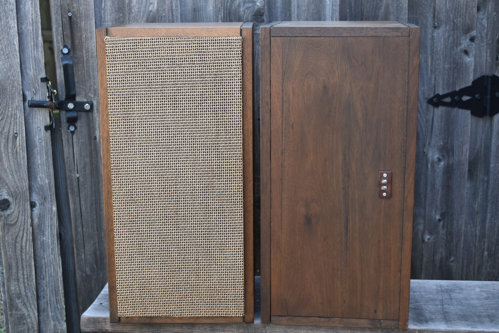 JBL Speakers - Model: LE8 | Vintage Audio Exchange